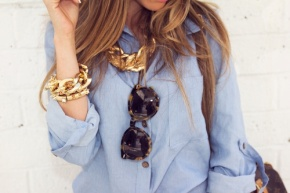 Blue blouse and golden acessories